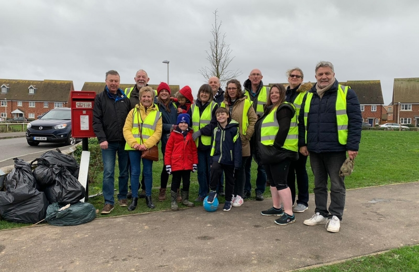 The litter pick team in Strood Rural