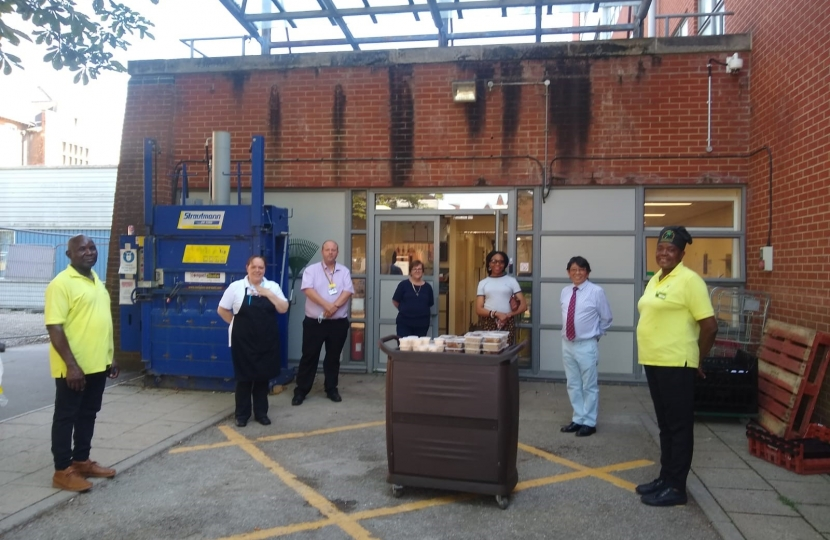 Councillors Gloria Opara and Tashi Bhutia, along with staff and volunteers, providing meals to NHS staff